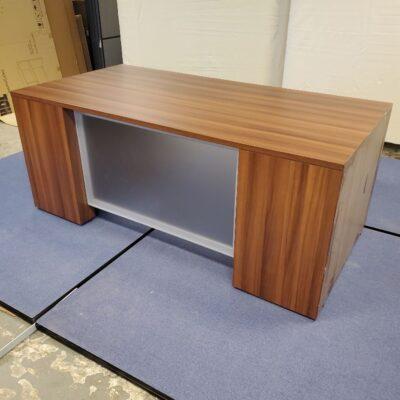 Zira Desk
