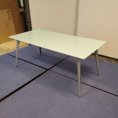 Roulliard Table