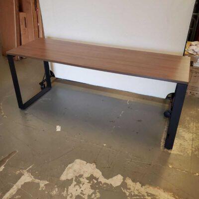 loop leg table